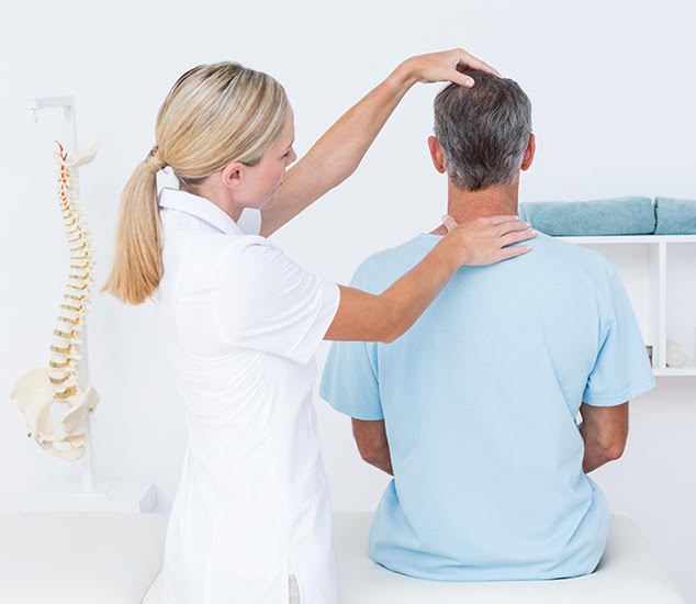 Denton When to Seek Treatment for Neck Pain